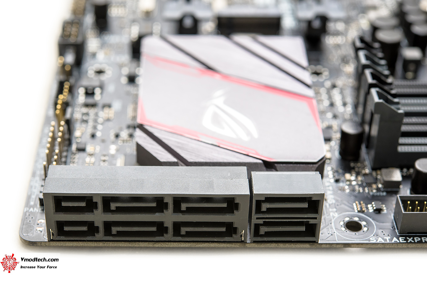 dsc 9080 ASUS ROG MAXIMUS VIII GENE Motherboard Review