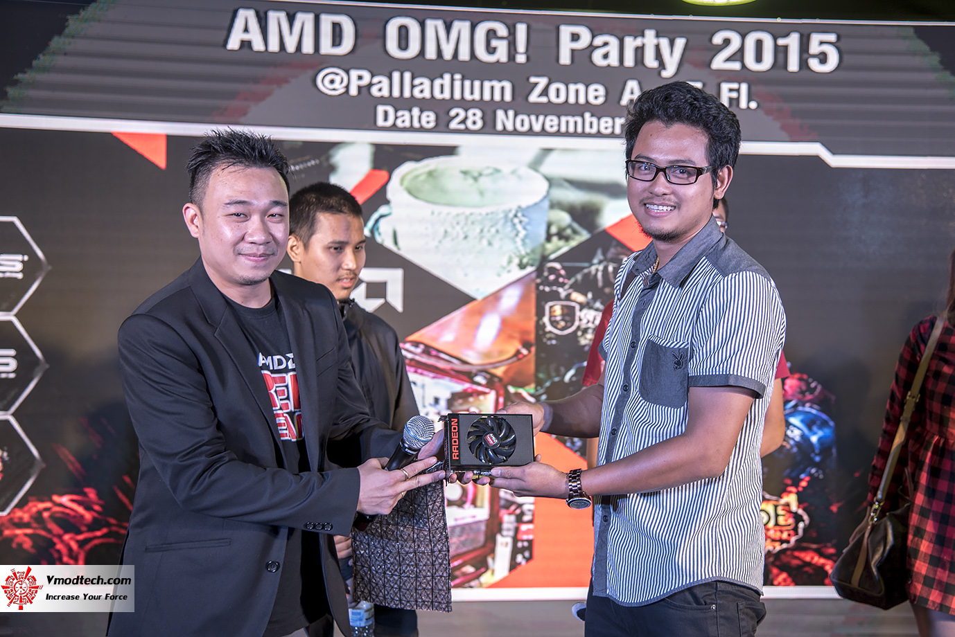 dsc 3256 AMD OMG! Party 2015 (AMD Overclock Modding Gaming Party 2015)
