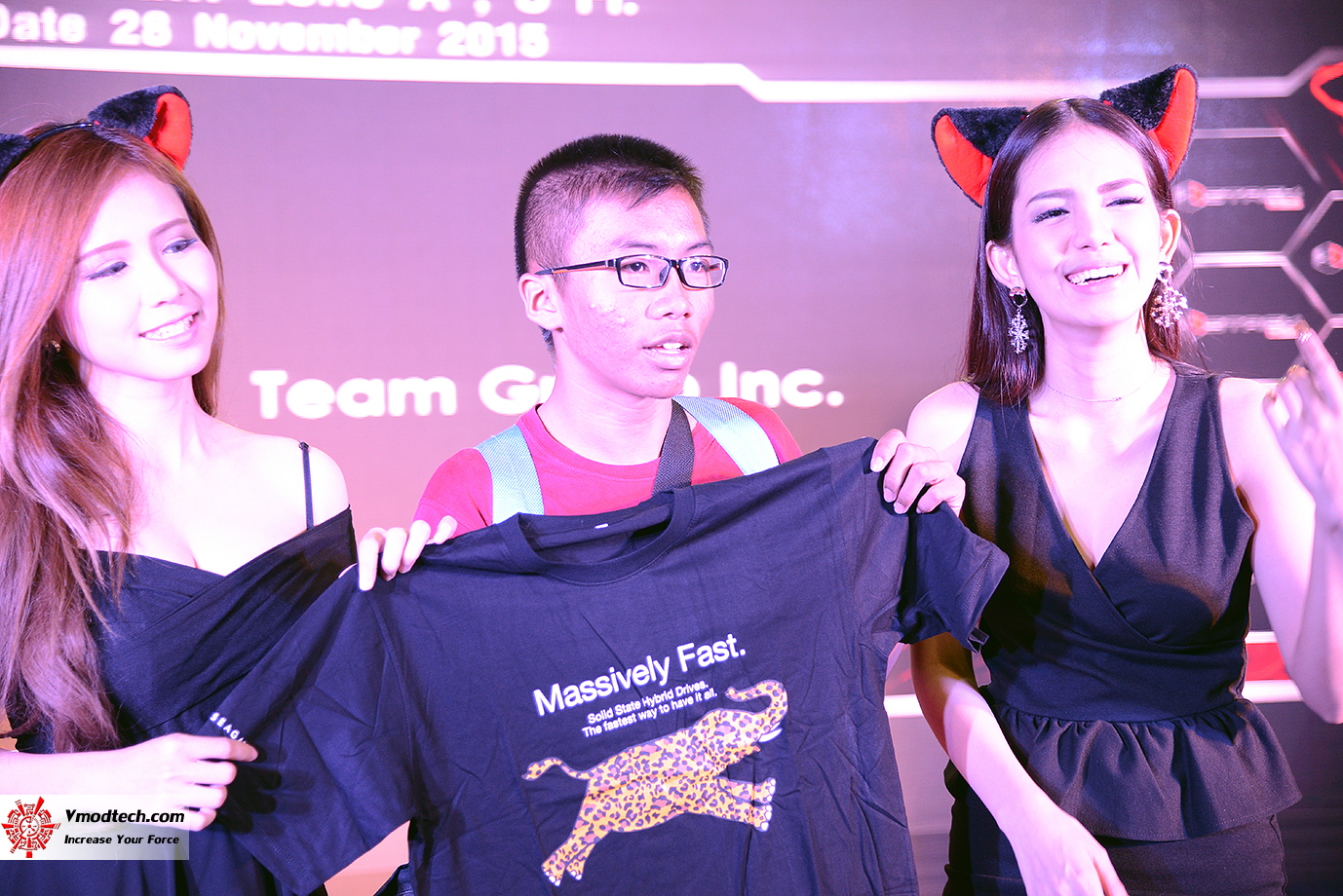 dsc 6941 AMD OMG! Party 2015 (AMD Overclock Modding Gaming Party 2015)