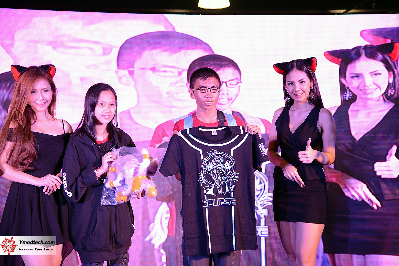 dsc 7255 AMD OMG! Party 2015 (AMD Overclock Modding Gaming Party 2015)