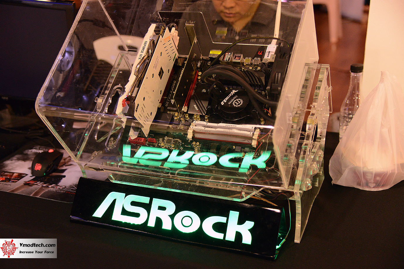 dsc 7766 AMD OMG! Party 2015 (AMD Overclock Modding Gaming Party 2015)