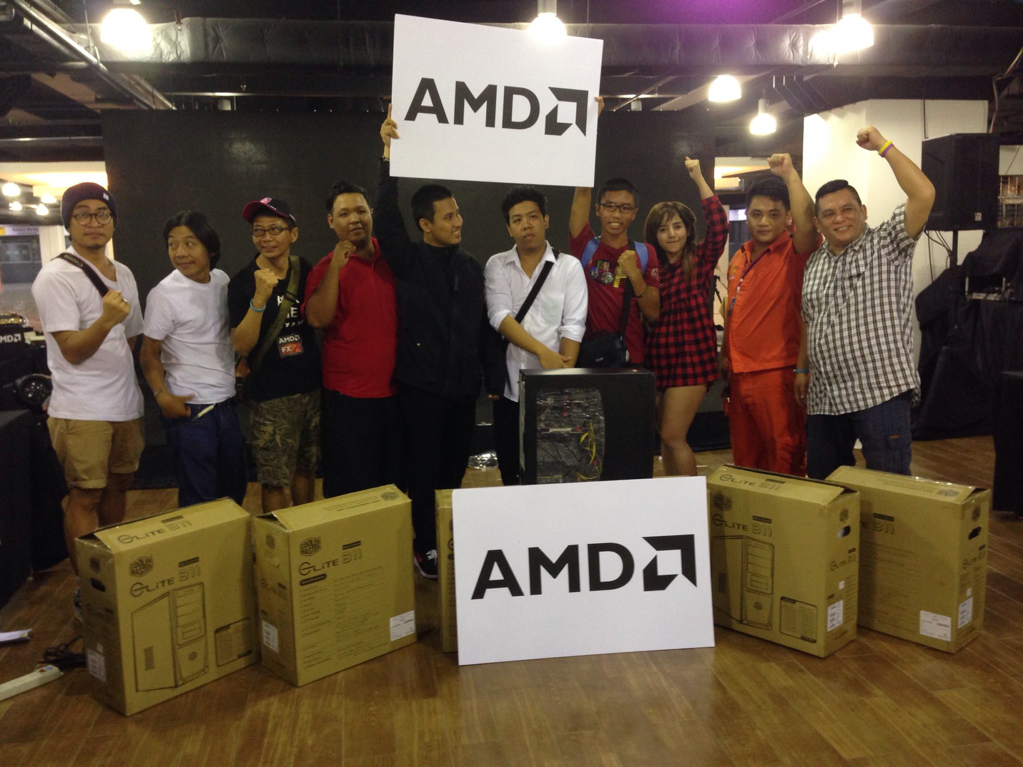 12309616 10153558897112819 3441949344855346437 o AMD OMG! Party 2015 (AMD Overclock Modding Gaming Party 2015)
