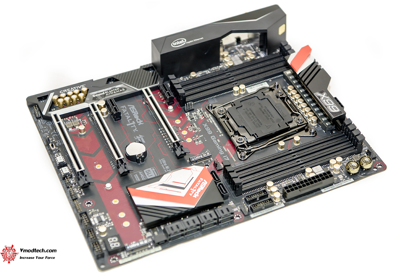 dsc 1953 ASRock Fatal1ty X99 Professional Gaming i7 Motherboard Review