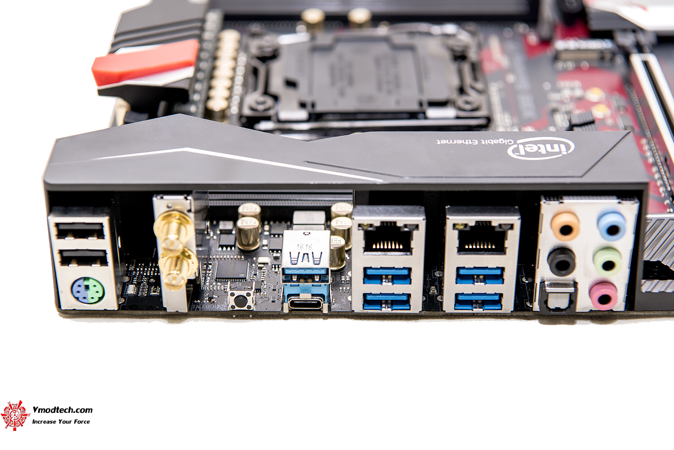 dsc 2005 ASRock Fatal1ty X99 Professional Gaming i7 Motherboard Review