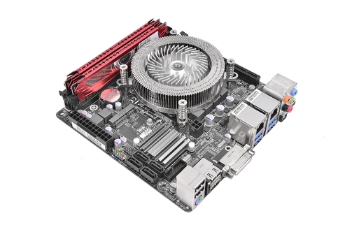 8 Thermaltake เปิดตัวฮีตซิงค์ระบายความร้อนซีพียูรุ่น Engine 27 1U Low Profile CPU Cooler รุ่นใหม่ล่าสุด