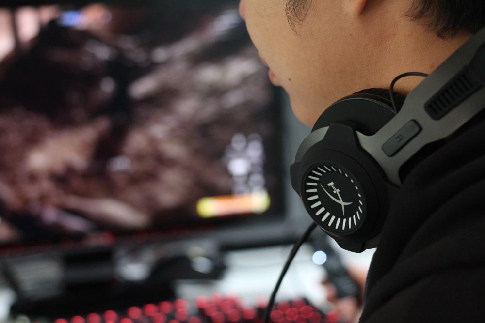 hyperx cloud revolver s 2 Kingston แนะนำวิธีเลือกหูฟังให้สนุกเร้าใจ สำหรับคอเกมแนว FPS