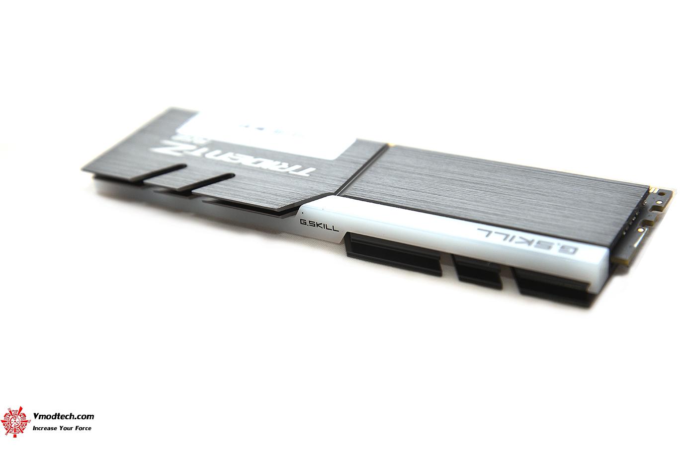 4 G.SKILL Trident Z RGB DDR4 3200MHz 32GB (8GBx4) Quad Channel Review