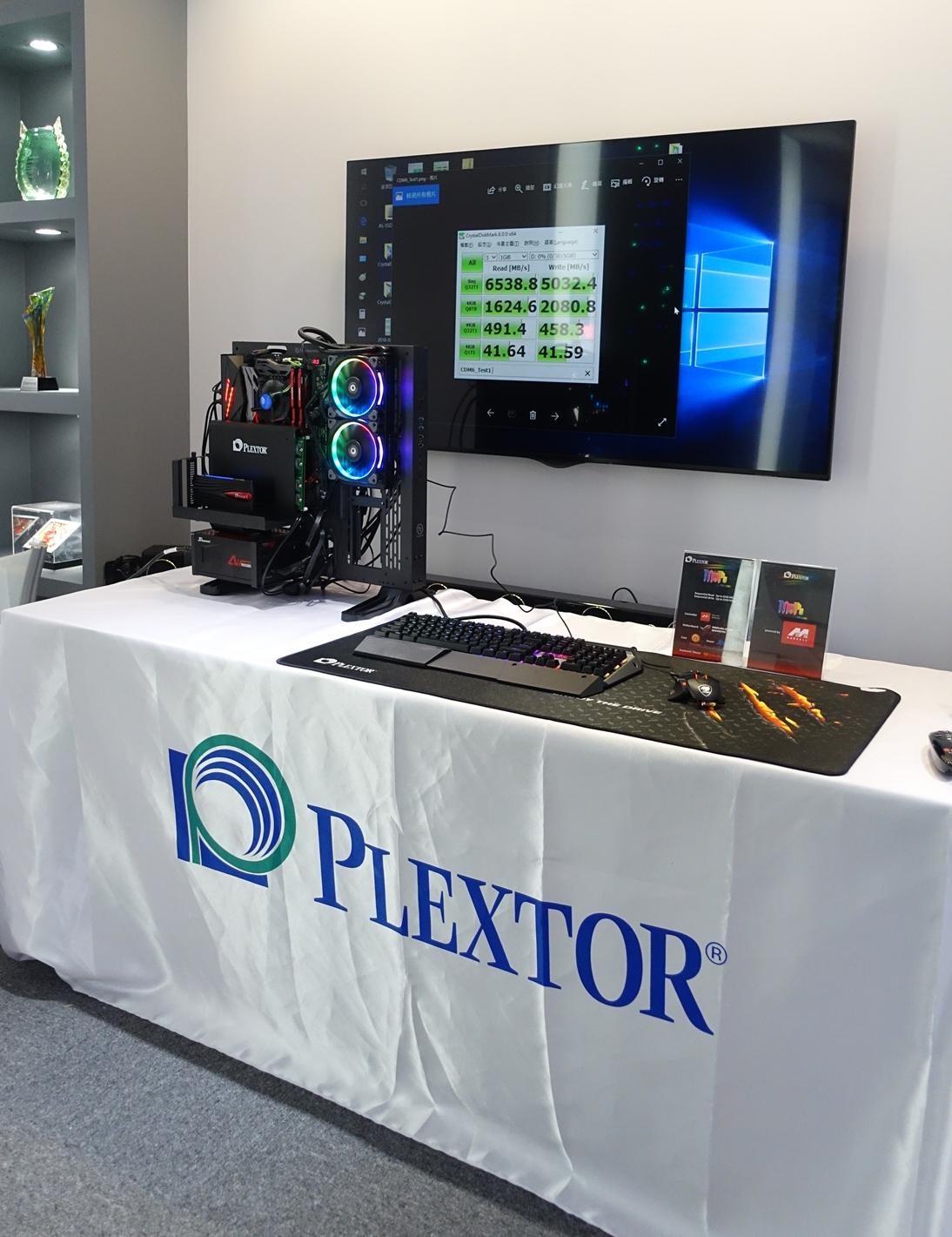 01m9pe extreme demo Plextor เปิดตัว SSD รุ่นใหม่ล่าสุด M9Pe Extreme  Ultra Hi Speed NVMe SSD ที่งานคอมพิวเทค ประเทศไต้หวัน