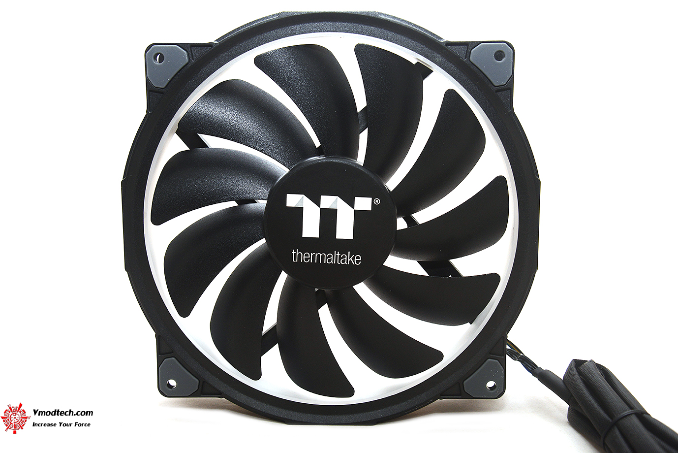 dsc 6572 Thermaltake Riing Plus 20 RGB Case Fan TT Premium Edition (Single Fan Pack w/o Controller) Review