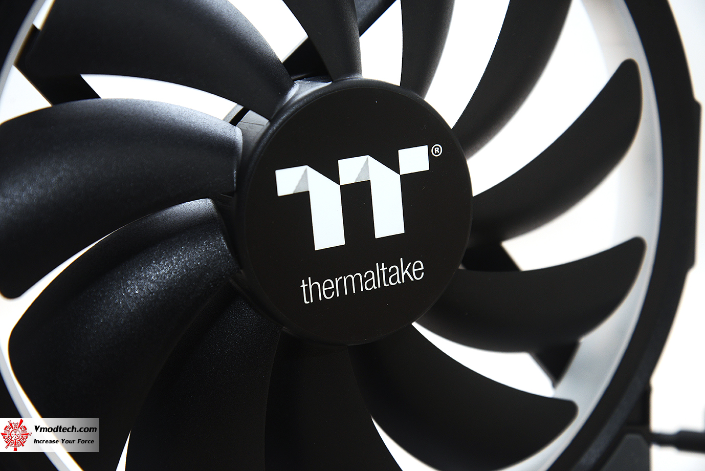 dsc 6607 Thermaltake Riing Plus 20 RGB Case Fan TT Premium Edition (Single Fan Pack w/o Controller) Review
