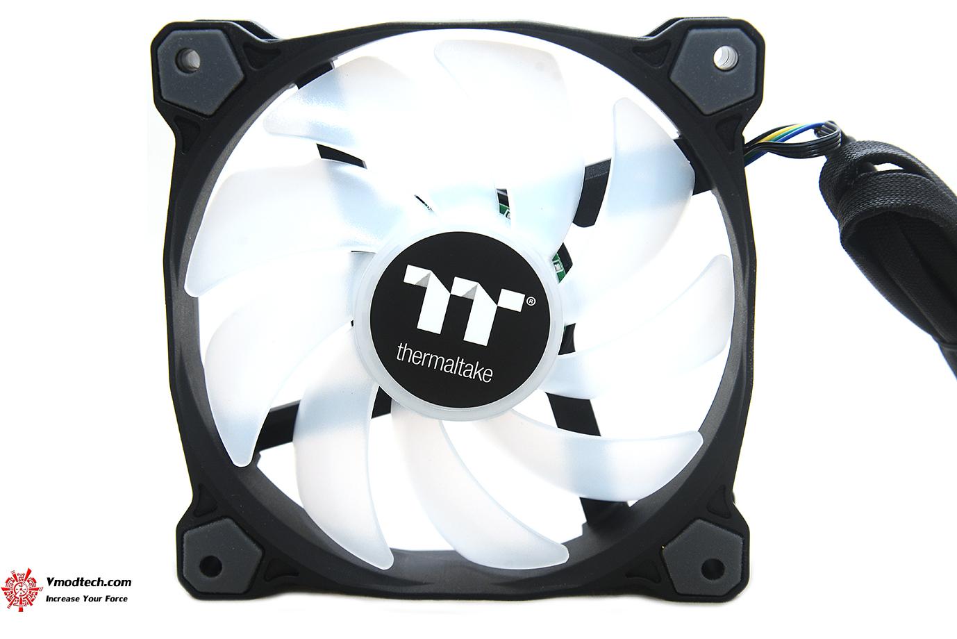dsc 8852 Thermaltake Pure Plus 12 LED RGB Radiator Fan TT Premium Edition (3 Fan Pack) Review