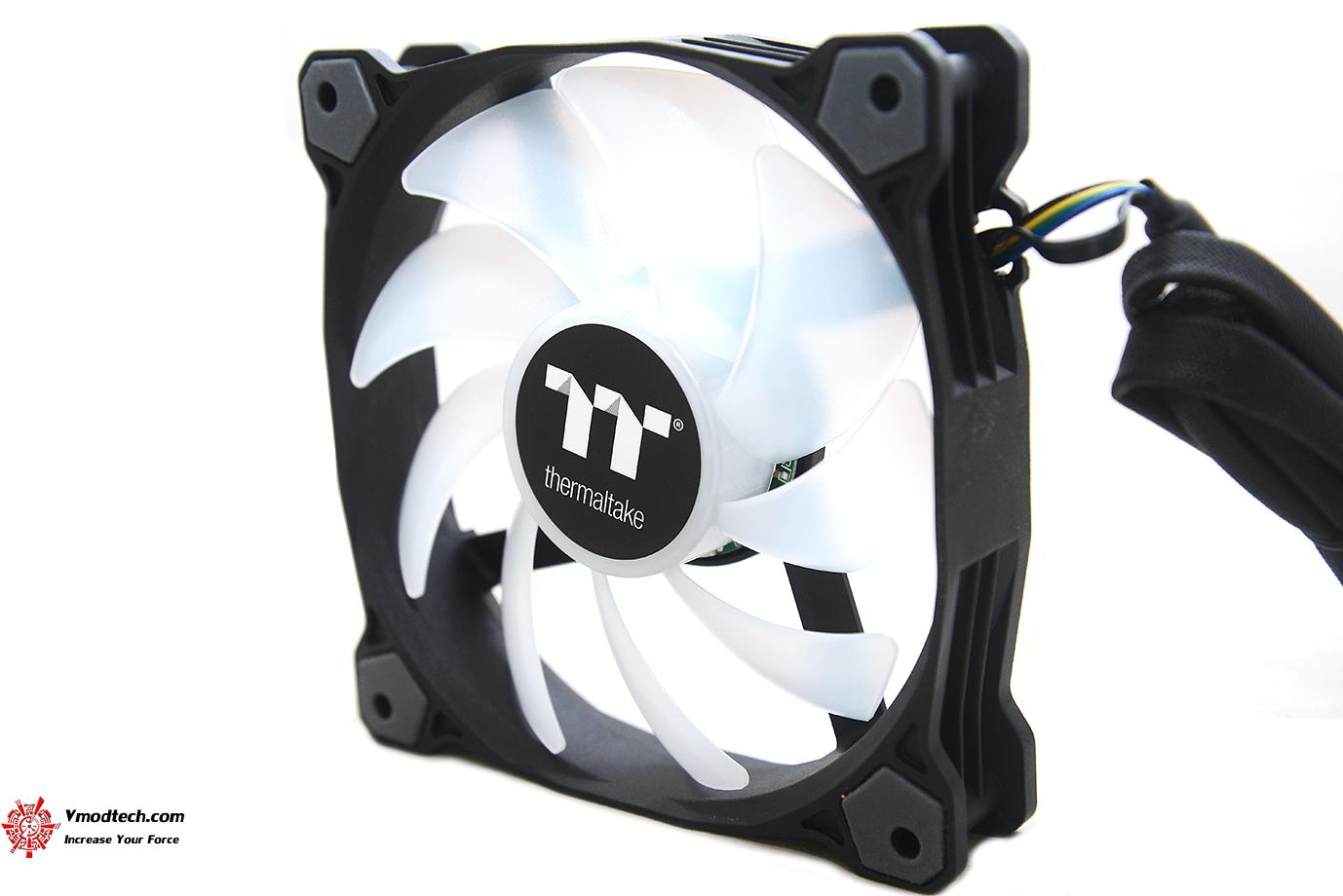 dsc 8864 Thermaltake Pure Plus 12 LED RGB Radiator Fan TT Premium Edition (3 Fan Pack) Review