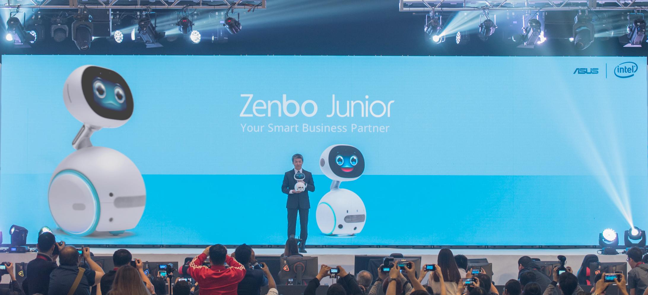 asus corporate vice president jackie hsu presents zenbo junior for the first time at incredible intelligence 2018 press event in malaysia ASUS โชว์นวัตกรรมสินค้าสำหรับการใช้งานในองค์กรธุรกิจ บ้านและการเล่นเกม ที่งาน Incredible Intelligence 2018 ประเทศมาเลเซีย