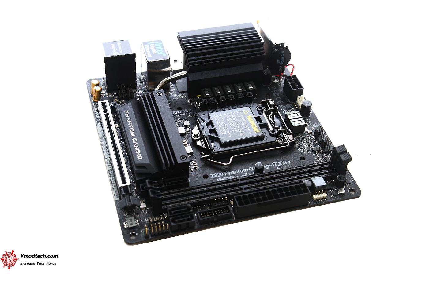 dsc 9711 ASRock Z390 Phantom Gaming ITX/ac Review
