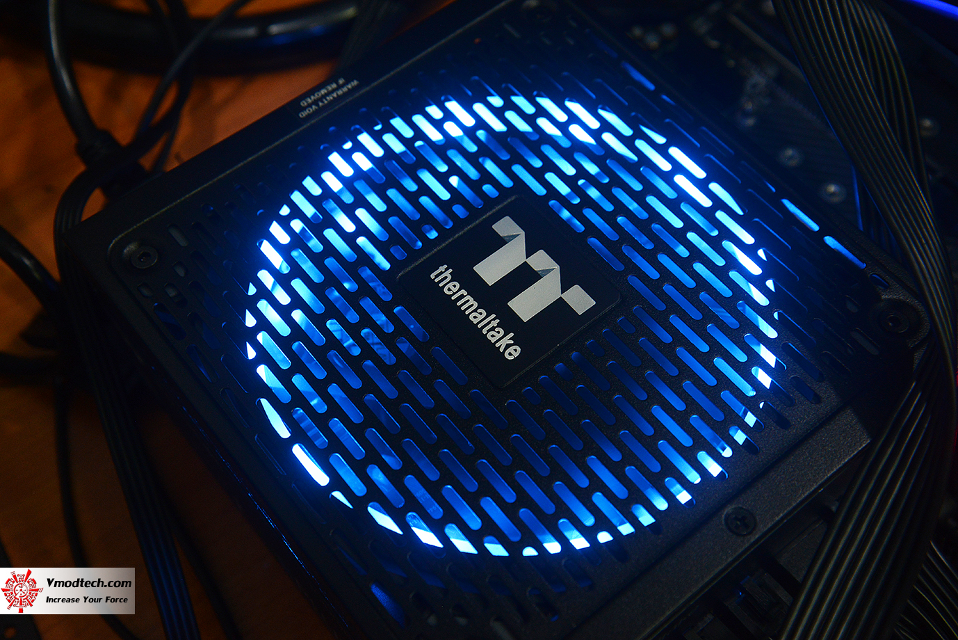 dsc 1937 Thermaltake Toughpower iRGB PLUS 1050W Platinum Review