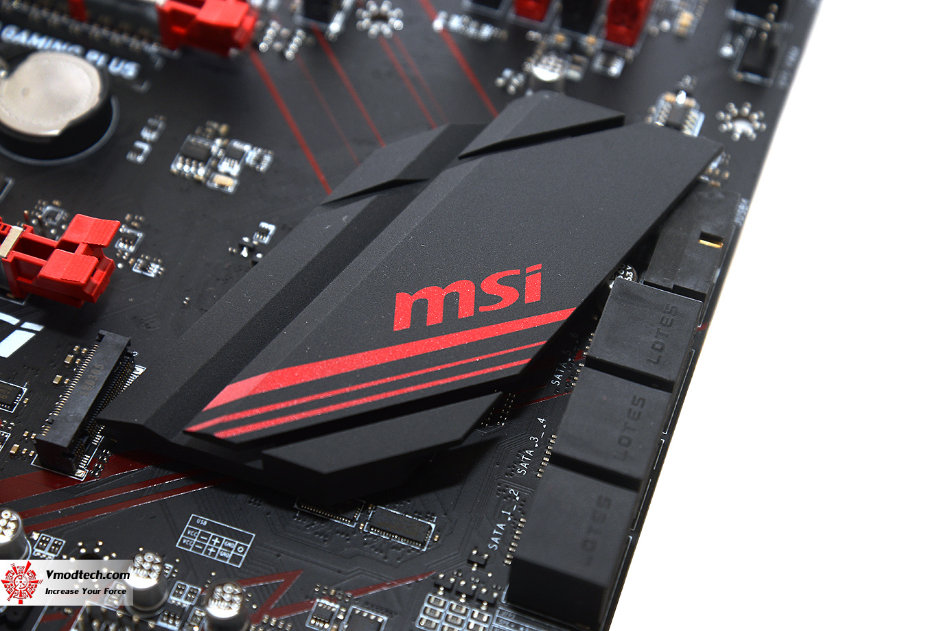 dsc 9562 MSI X470 GAMING PLUS REVIEW