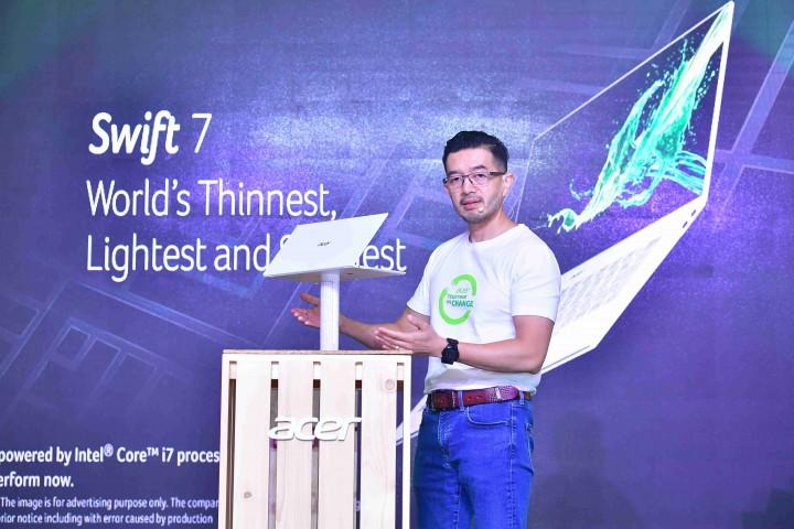 swift7 5re 720x480 เอเซอร์ จัดคอมโบ้เซ็ทเปิดตัวผลิตภัณฑ์ขุมพลัง 10th Gen Intel® CoreTM พร้อมจับมือตัวแทนค้าปลีกไอทีทั่วประเทศเปิดแคมเปญ Together We Change รณรงค์ลดการใช้ถุงพลาสติก ตั้งเป้าลดการใช้ 30% ฉลองเทศกาลความสุขด้วยโปรโมชั่นพิเศษพร้อมส่วนลด แคชแบคเป็นของขวัญส่งท้ายปี