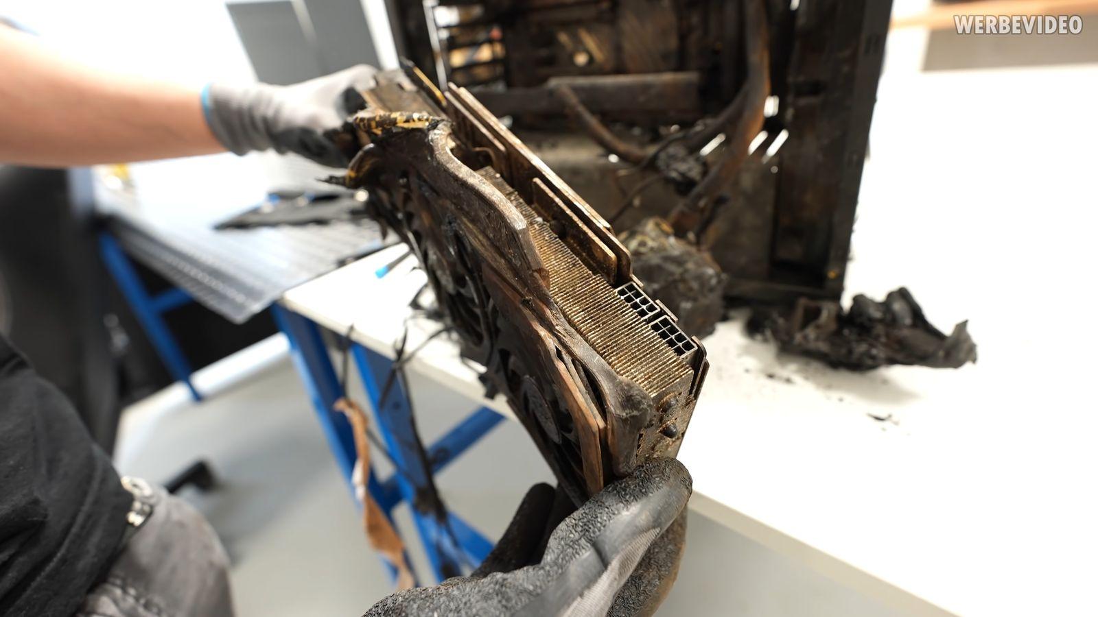 der8auer rtx 2070 super fire 12 videocardz สุดยอดความทน!!! การ์ดจอ MSI RTX 2070 SUPER GAMING ถูกไฟไหม้ยับแต่ยังเปิดติดเข้าวินโดว์ได้หน้าตาเฉย