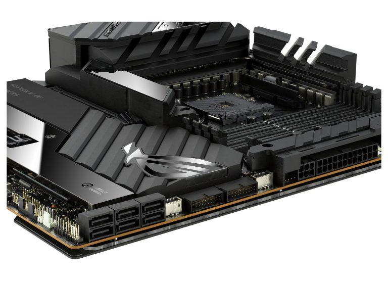 asus rog crosshair extreme 9 768x556 เอซุสเปิดตัวเมนบอร์ด ASUS ROG CROSSHAIR VIII EXTREME รุ่นท็อปแพลตฟอร์ม AMD ใหม่ล่าสุดขนาด E ATX ระดับ HEDT ตัวแรงอย่างเป็นทางการ
