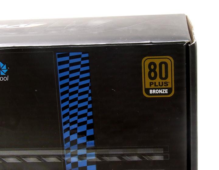 25 Aero Cool V12 700W