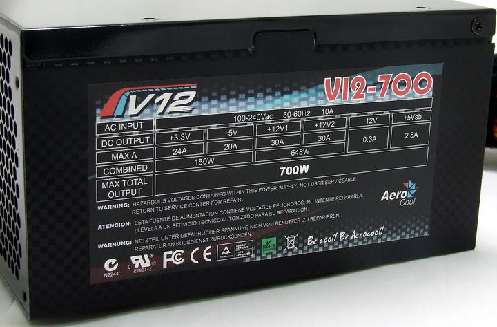 54 Aero Cool V12 700W