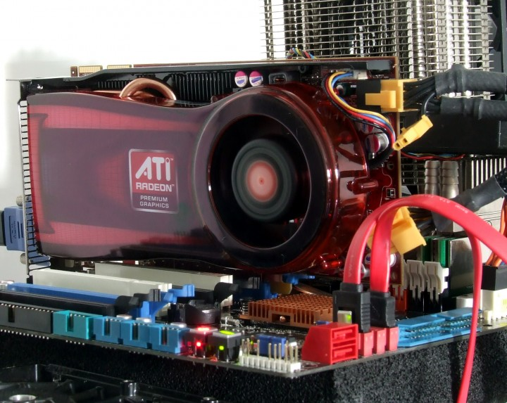 dscf7634 AMD ATI HD 4770 แบบเต็มๆ