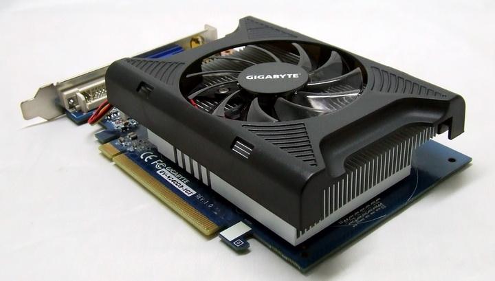 4 Gigabyte GT240 DDR3