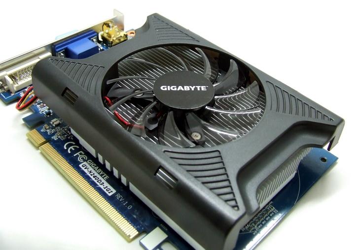7 Gigabyte GT240 DDR3