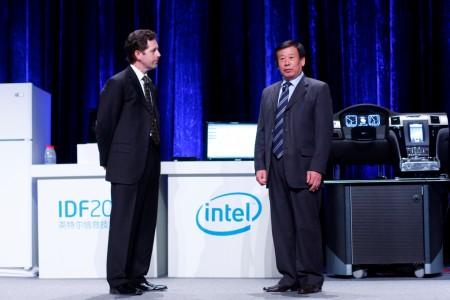 idf beijing 2010 014resized อินเทลเตรียมใช้ชิปอะตอมกับรถยนต์ ระบบสื่อสารในจีน