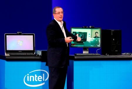 idf 2010 otellini 02 อินเทลคิดค้นนวัตกรรมเพื่อสร้างประสบการณ์ที่ไร้ขอบเขต บนอุปกรณ์เชื่อมต่ออินเทอร์เน็ตอันชาญฉลาด