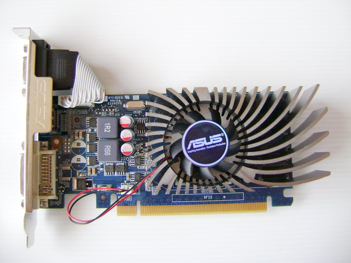 dsc04719 ASUS ENGT430 1GB DDR3