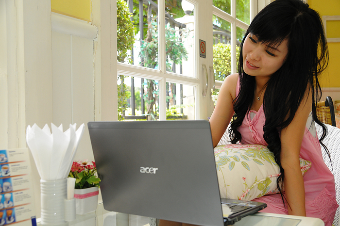 dsc 5330 Review : Acer Aspire 3810T Timeline series