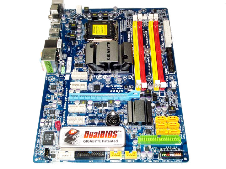 dsc082311 GIGABYTE EP45 UD3L Review