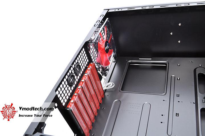 dsc 0044 AeroCool CYBORGX Chassis Review