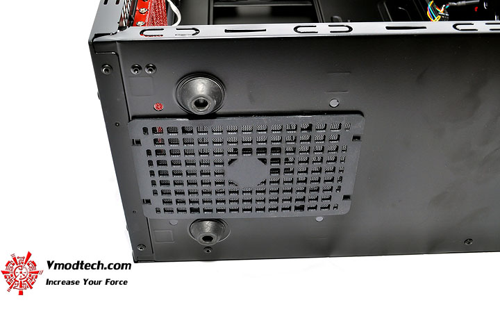 dsc 0047 AeroCool CYBORGX Chassis Review