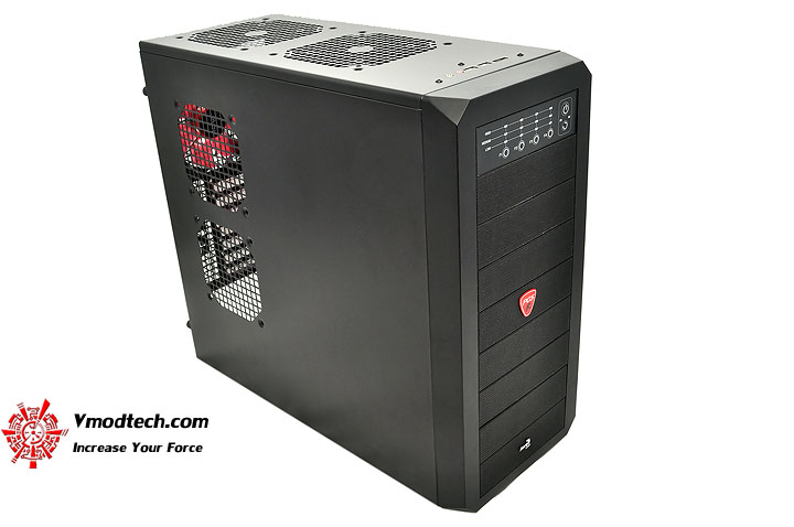 dsc 0125 AeroCool Rs 9 Chassis Review
