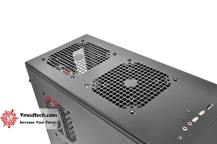 dsc 0140 AeroCool Rs 9 Chassis Review