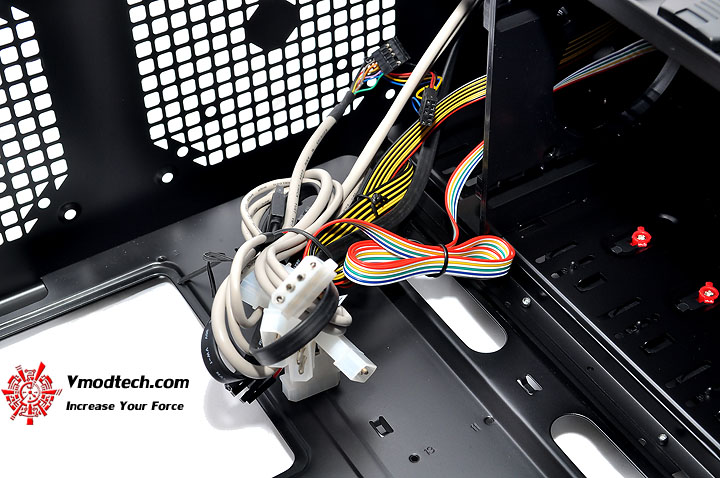 dsc 0149 AeroCool Rs 9 Chassis Review