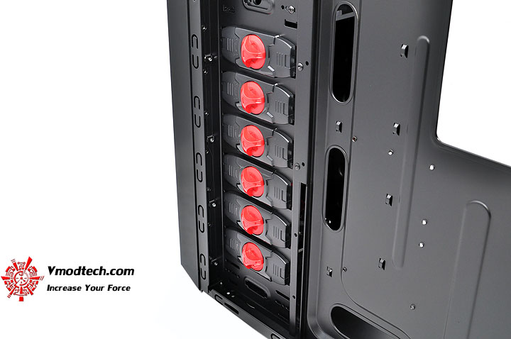 dsc 0155 AeroCool Rs 9 Chassis Review