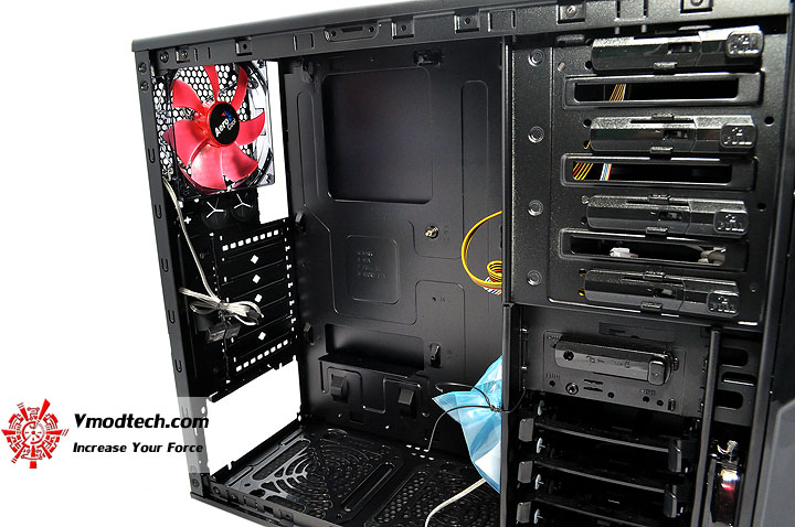 dsc 0168 AeroCool Vx R Limited Edition Chassis Review