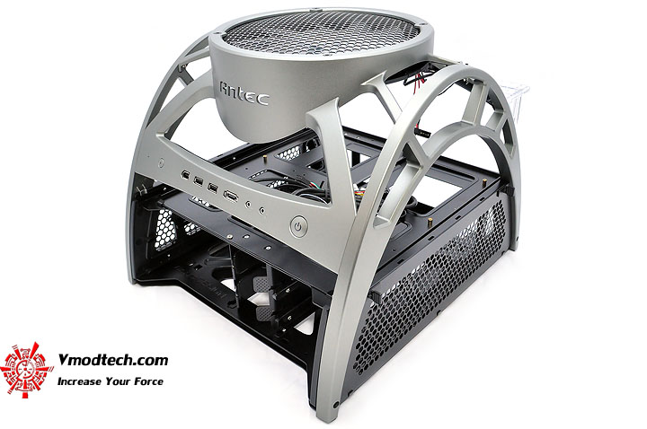 dsc 0004 Antec Skeleton : Open Air Case