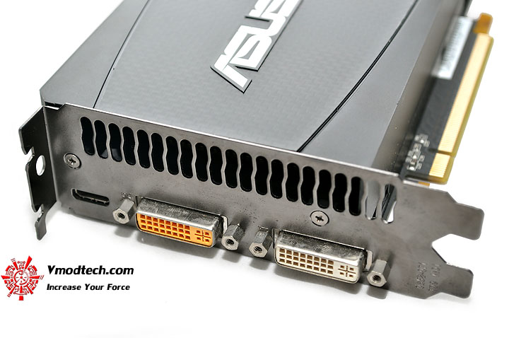 dsc 0123 ASUS ENGTX465 GeForce GTX 465 1GB GDDR5 Review