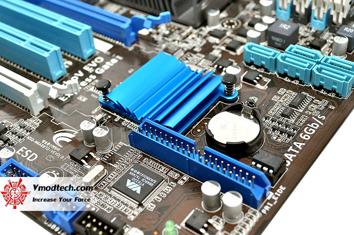 dsc 0126 ASUS M4A88TD V EVO/USB3 Xtreme Design Motherboard Review