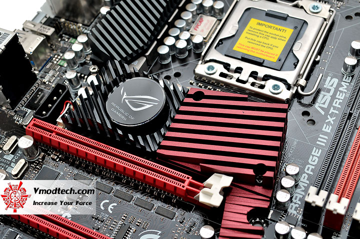 dsc 0191 ASUS RAMPAGE III EXTREME Motherboard Review