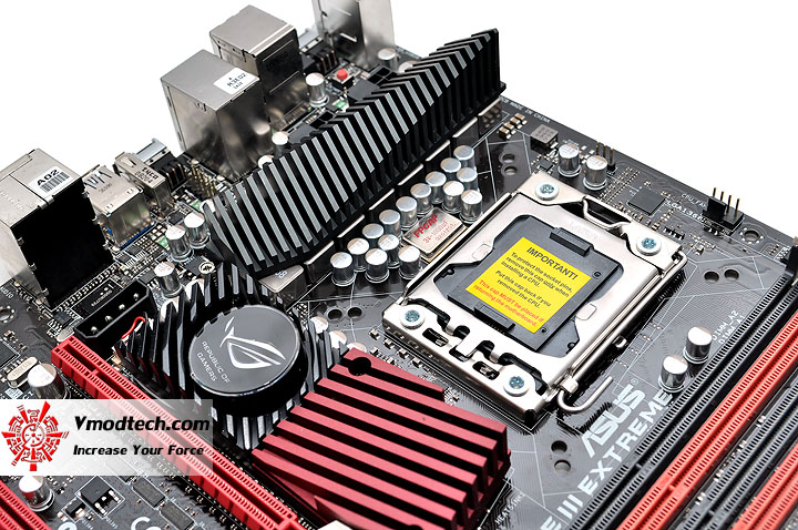 dsc 0196 ASUS RAMPAGE III EXTREME Motherboard Review