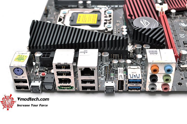 dsc 0208 ASUS RAMPAGE III EXTREME Motherboard Review