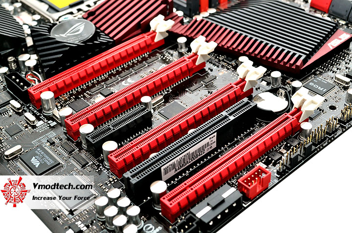 dsc 0226 ASUS RAMPAGE III EXTREME Motherboard Review