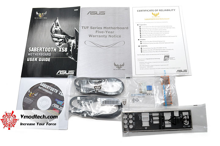 dsc 0008 ASUS SABERTOOTH X58 Motherboard Review