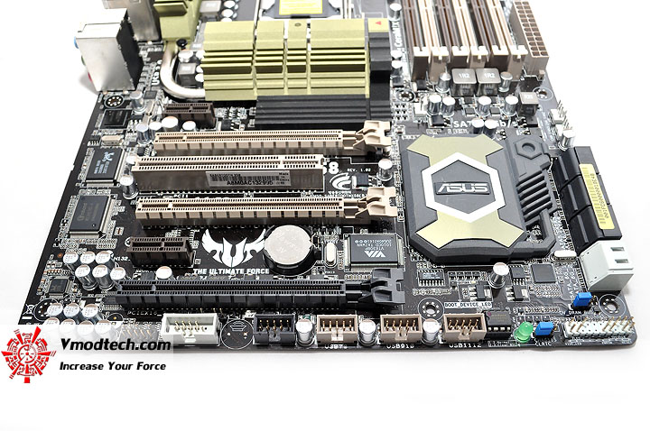 dsc 0031 ASUS SABERTOOTH X58 Motherboard Review