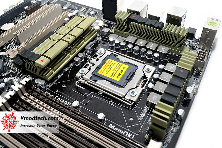 dsc 0040 ASUS SABERTOOTH X58 Motherboard Review